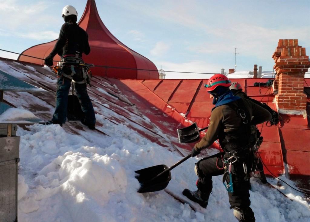 Очистка снега с крыш челябинск